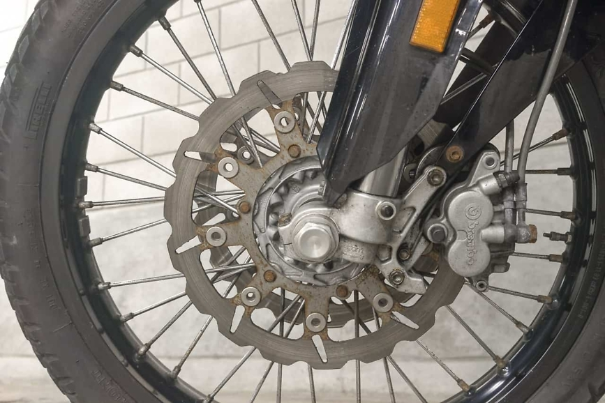 950 adventure front wheel and disc rust