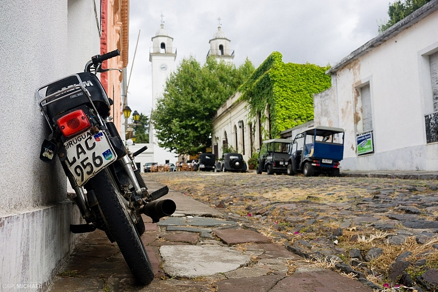 motorcycle in colonia del sacremento
