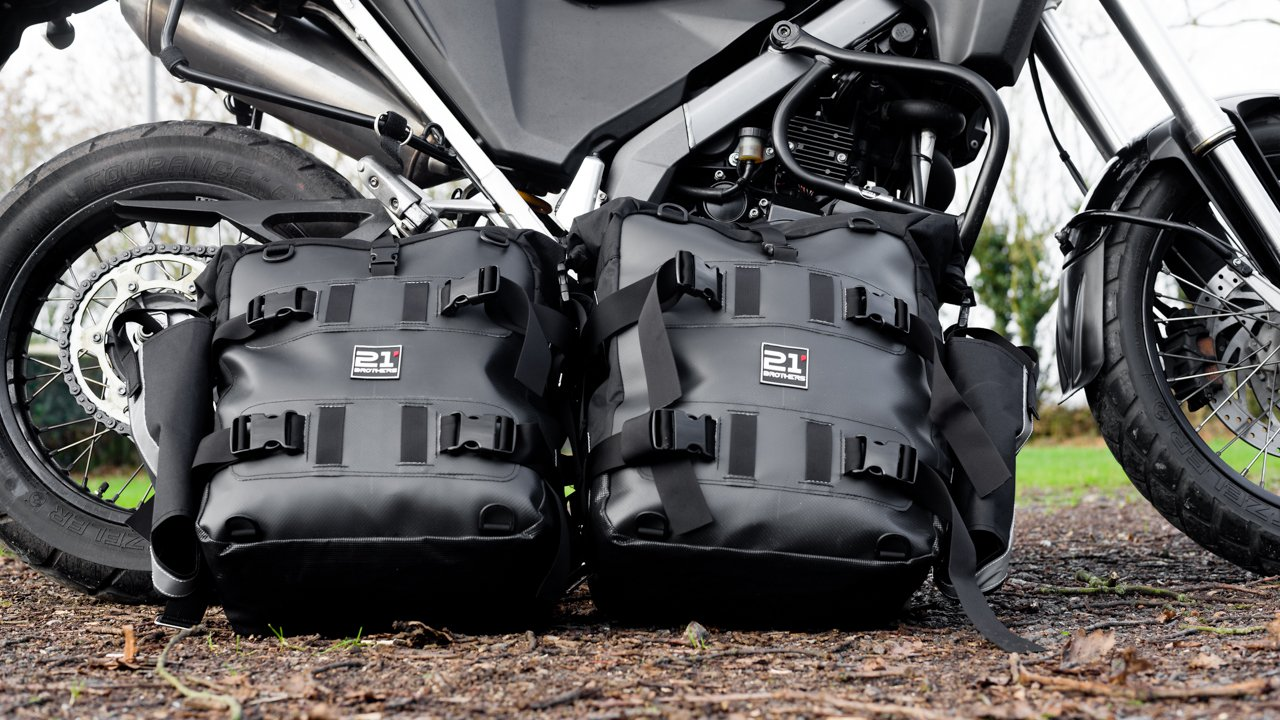 Panniers On The Xcountry Defylife