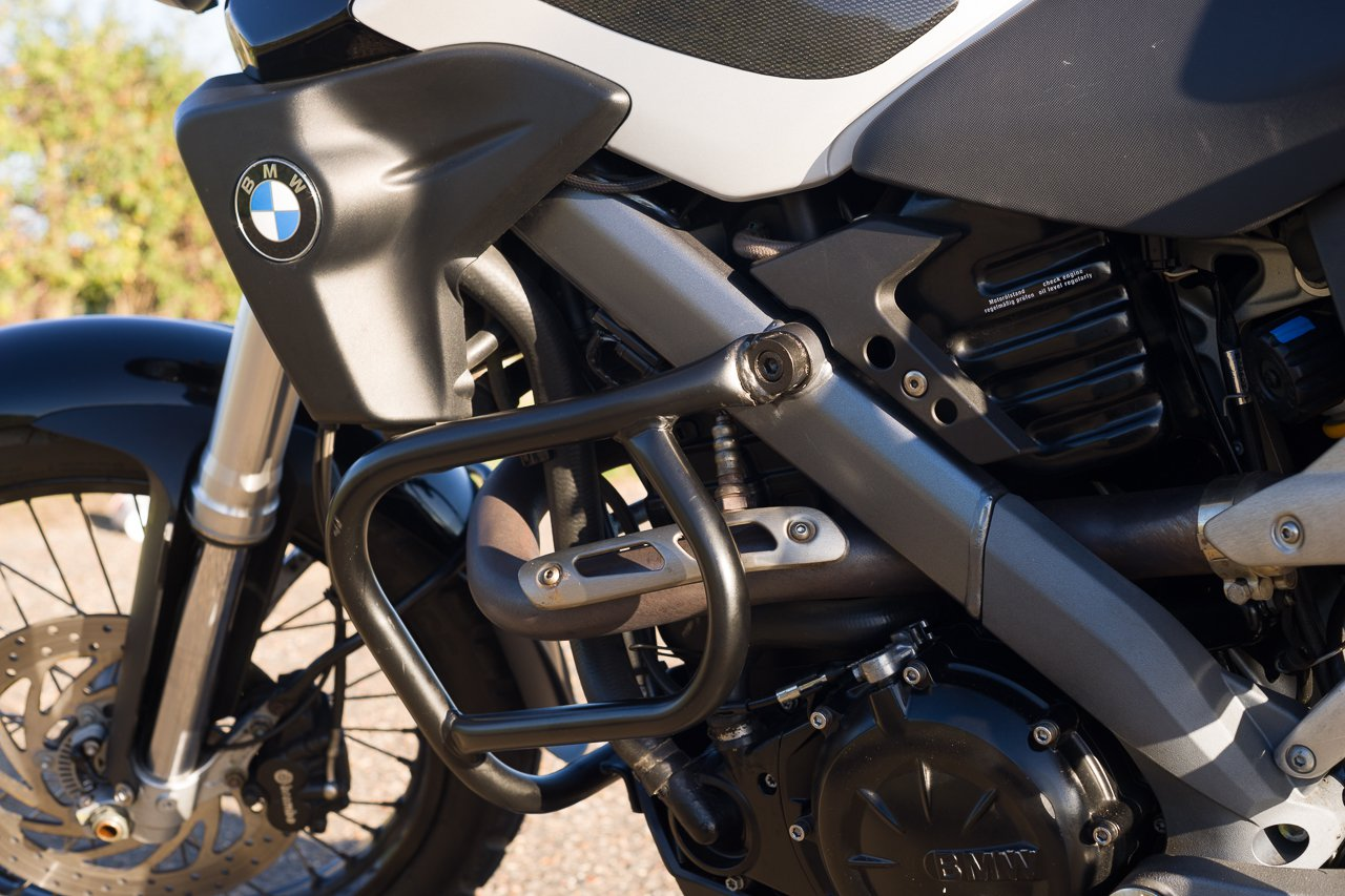 Hepco and Becker crash bars on BMW G650x Country